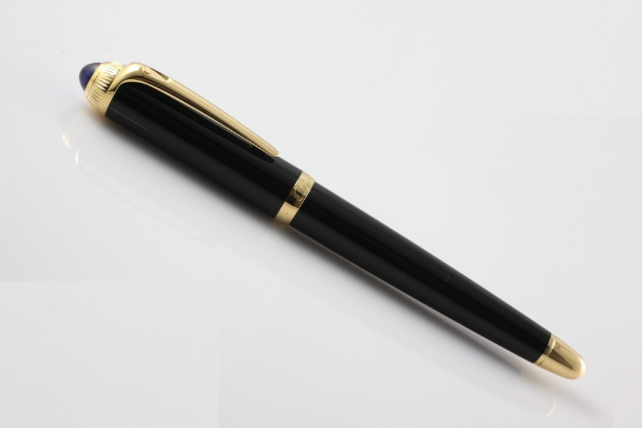 Cartier Roadster ST240003 Black Gold Trim Fountain Pen