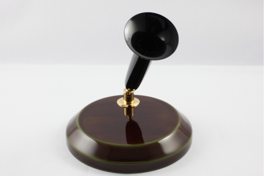 Nakaya Heki Tamenuri plinth with Black Acrylic Resin Trumpet Single Desk Pen Stand