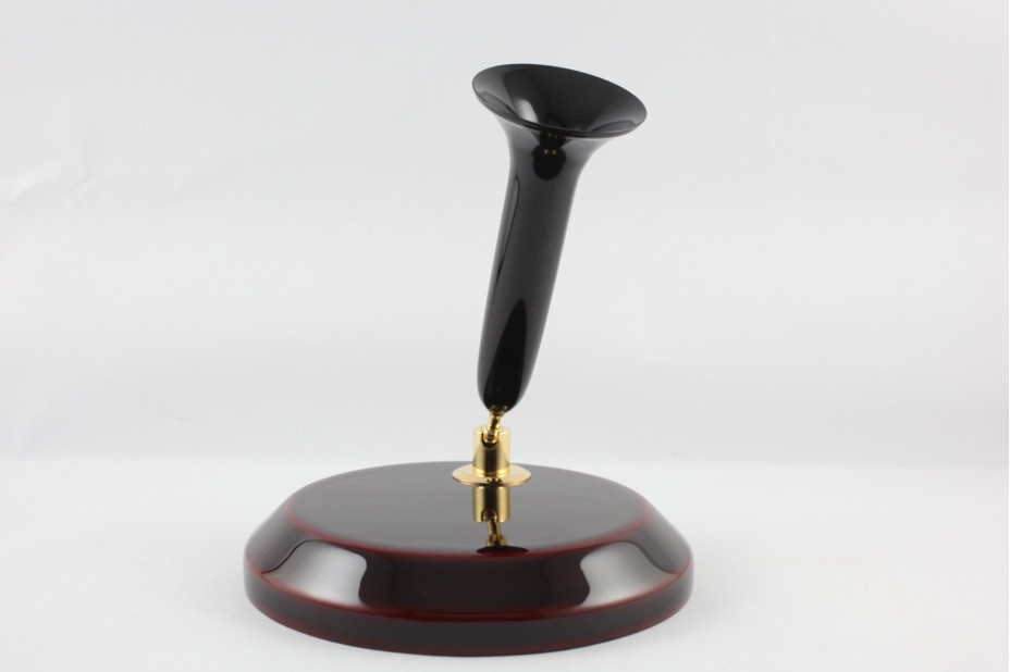 Nakaya Kuro Tamenuri plinth with Black Acrylic Resin Trumpet Single Desk Pen Stand