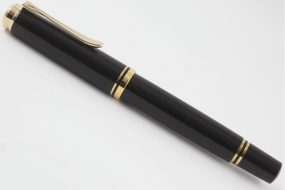 Pelikan Souveran M400 Black Fountain Pen (New Logo Gold-Top)